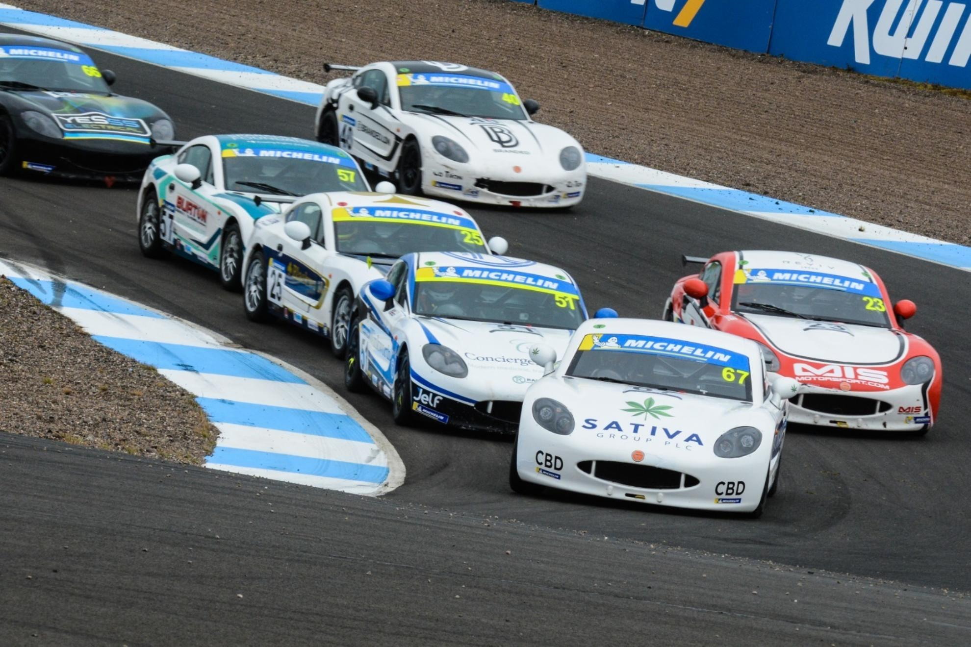 Hedley Stars With Knockhill Ginetta Junior Double