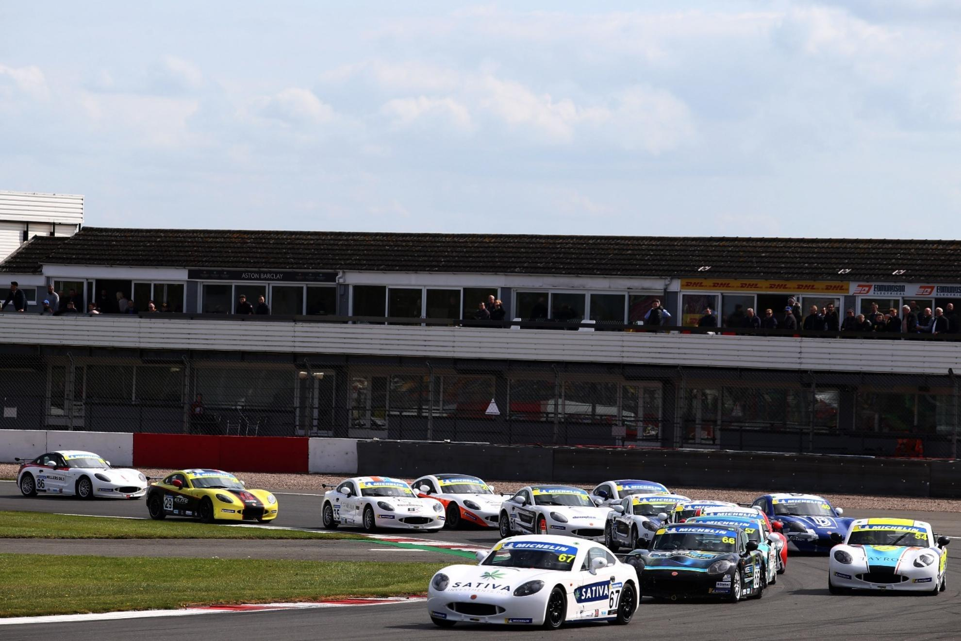 James Hedley Stars With Donington Double In Michelin Ginetta Junior Championship