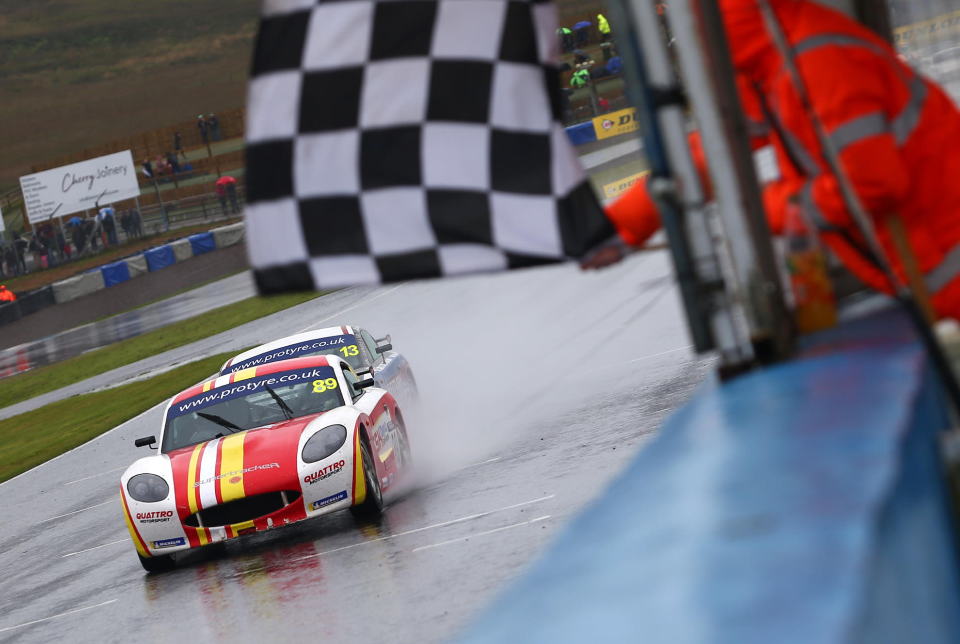 Stoney Beats Kellett to Race 2 Victory at Knockhill