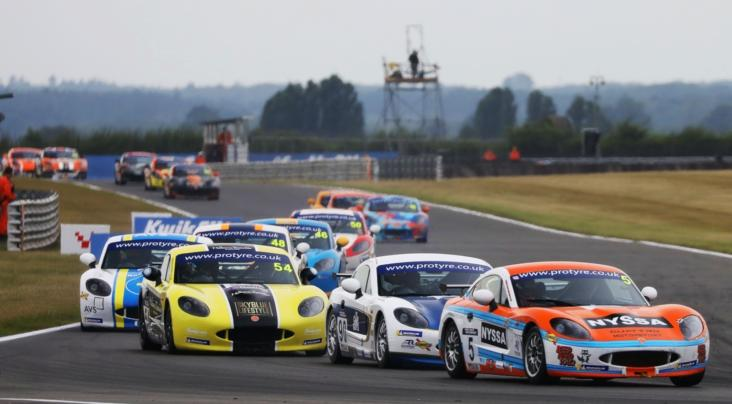 McKenna And Nicosia Enjoy Snetterton Success In GT5 Challenge