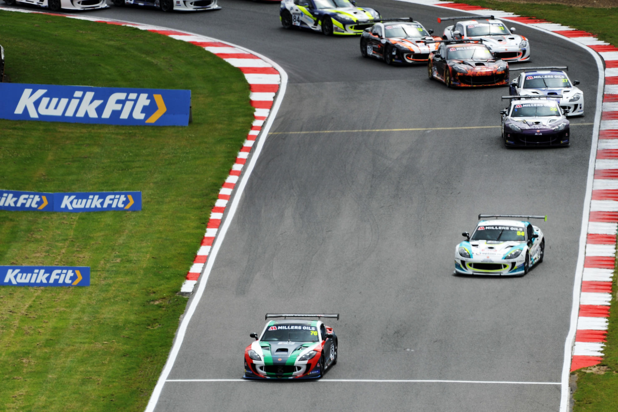 Miracco, Smalley And Hibbert Win in Ginetta GT4 SuperCup
