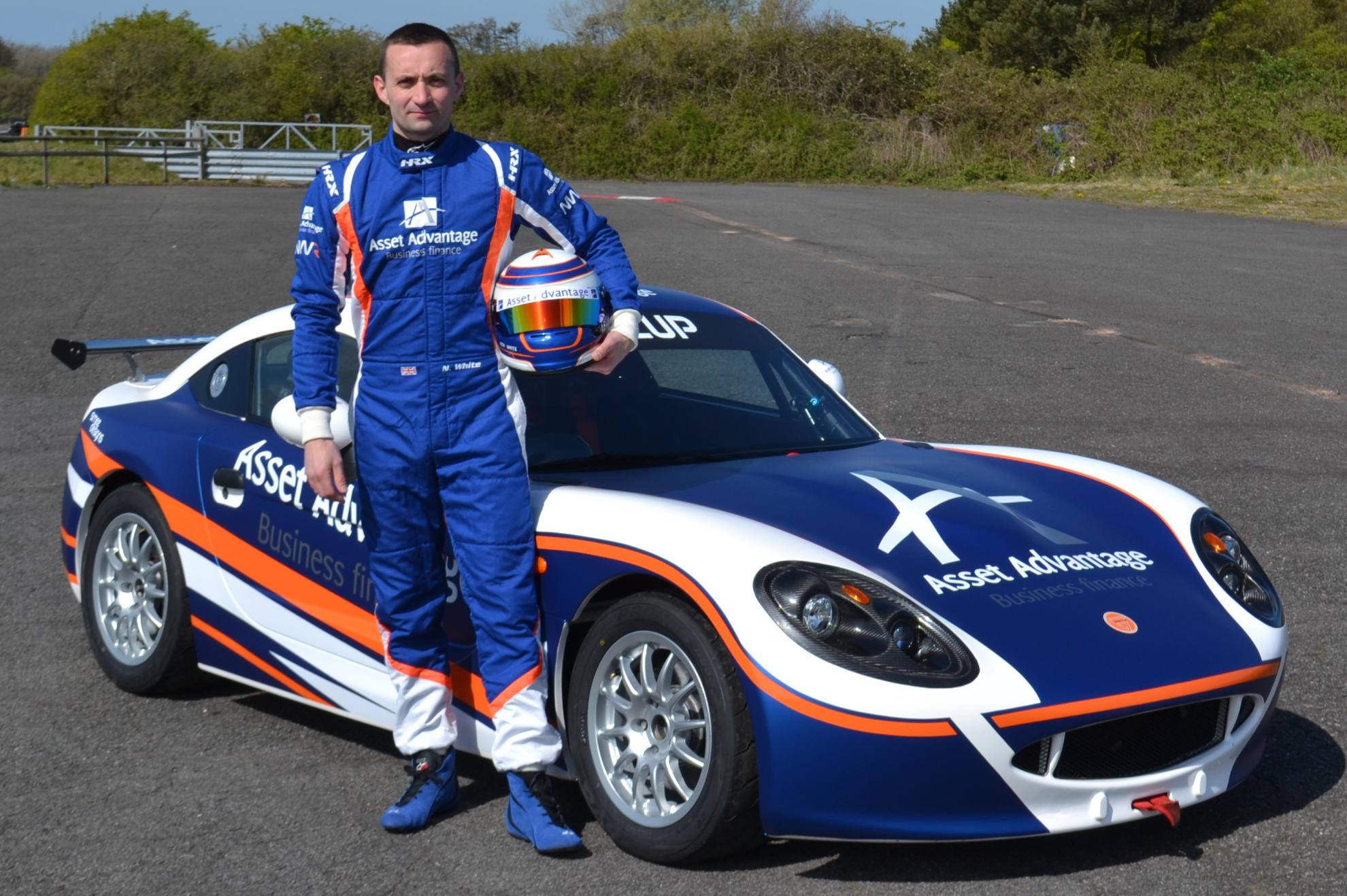 Nick White And MRM Join Ginetta GT5 Challenge