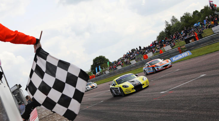 Thruxton Delight For Nicosia And Smalley With Protyre Motorsport Ginetta GT5 Chal...