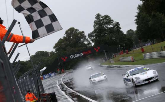 Malin Stars At Oulton Park With Both GT5 Challenge Wins