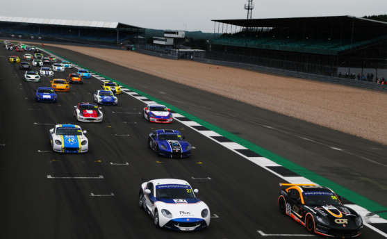 Steed And Bennett On Top Again In Ginetta GT5 Challenge