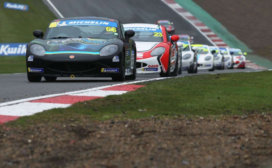 James Taylor And Tom Emson Share Opening 2019 Michelin Ginetta Junior Championship Wins